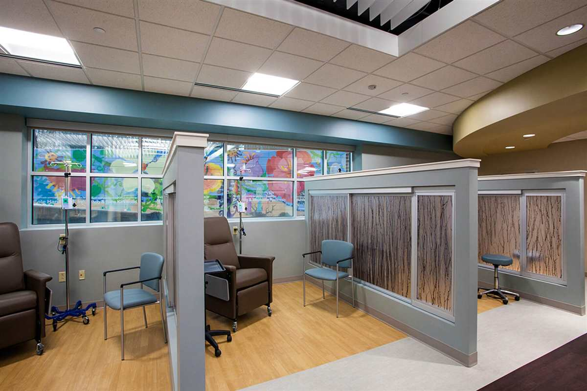 lmh-cancer-care-chemo-stations2.jpg
